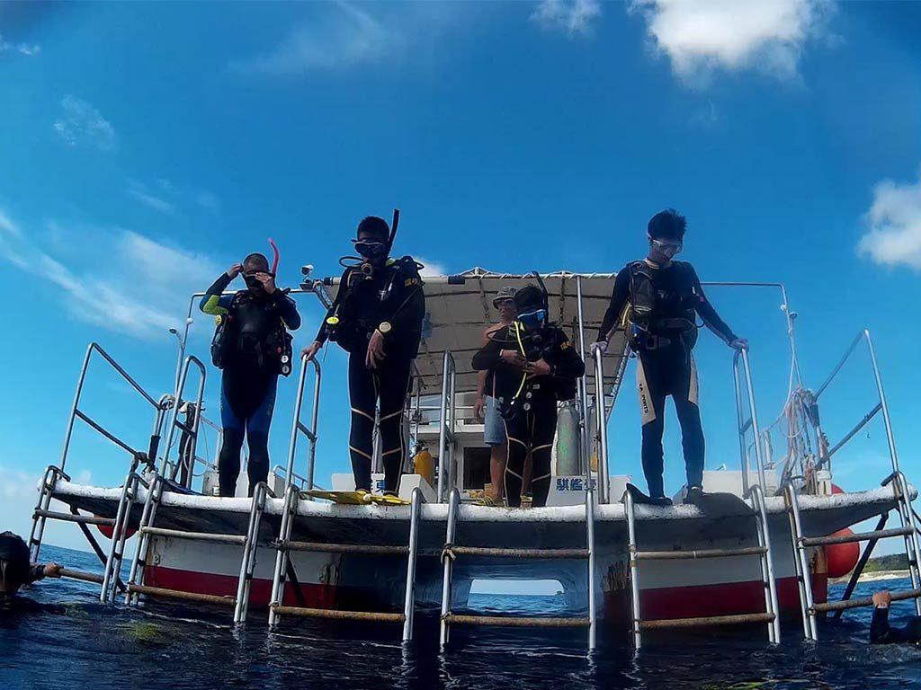 進階探險潛水員