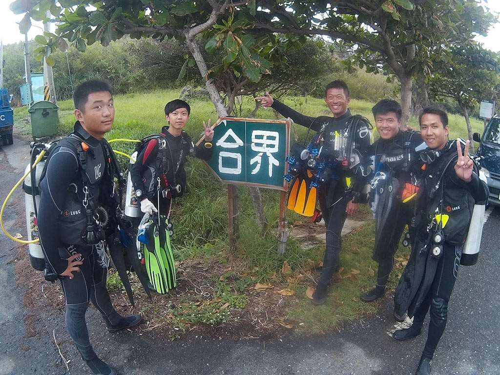 ow-dive-course-introduction-group 進階潛水員