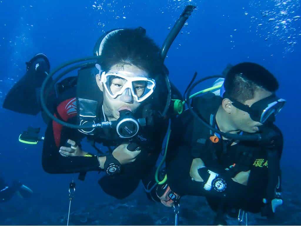 scuba-diver-fundive 水肺潛水員